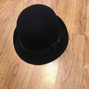 5d985c5a06aa8 Goorin Bros Black hat with black ribbon and bowtie
